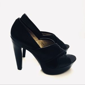 Micheal Kors| Black Criss Cross Heels| Size 9